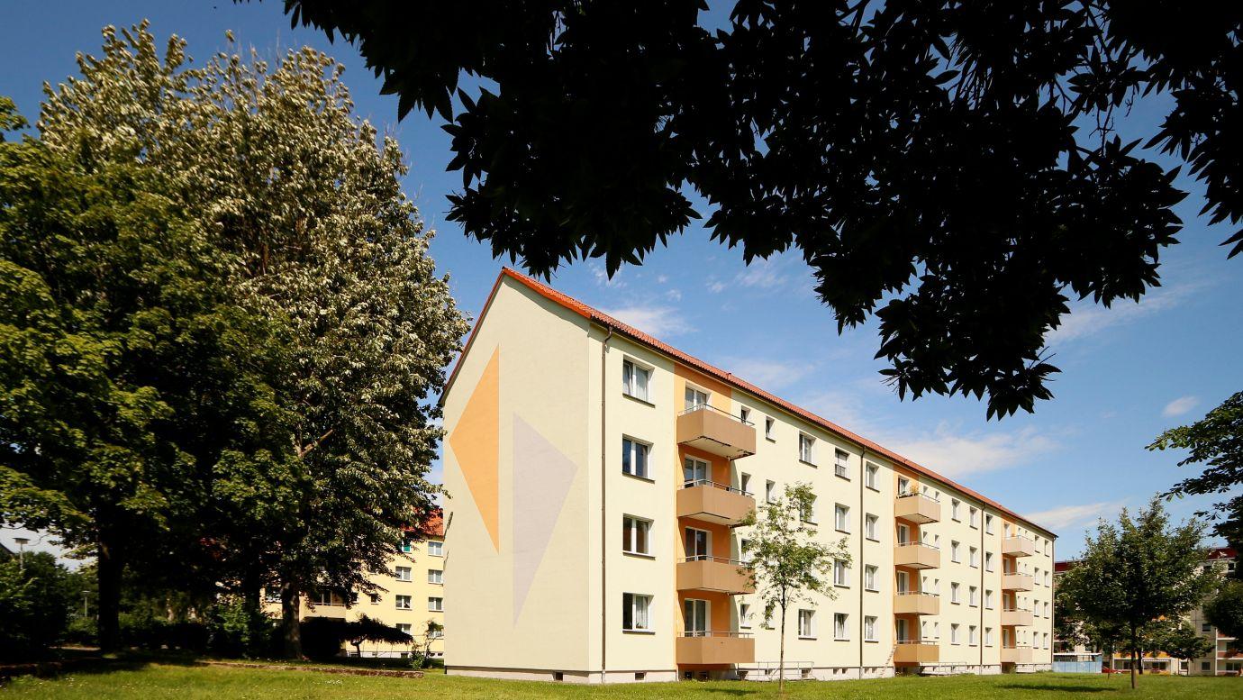 J.-Fr.-Böttger-Straße 9a-c Balkonseite2 WG: Stollen AltNeubau