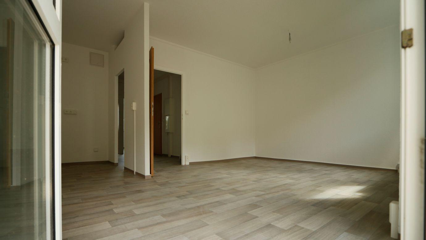 3RW Stollen 32 Wohnzimmer/Küche WG: Stollen Neubau