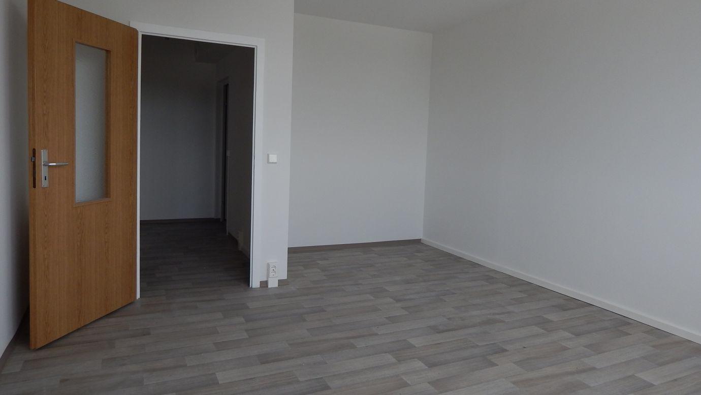2RW Wohnung Hochhaus Zimmer WG: Stollen Neubau