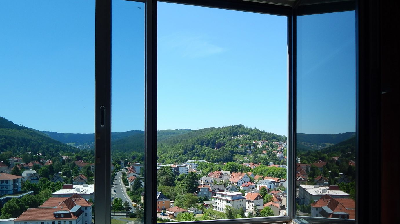 2RW Wohnung Hochhaus Ausblick WG: Stollen Neubau